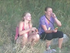 Picnic two girls