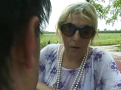 Italian granny is fucked by her lover and a stranger