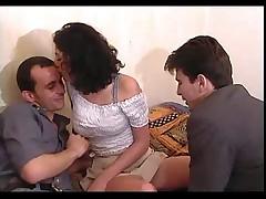 Mathilda avec deux mecs