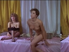 Lesbian scene from movie BRAGAS CALIENTES