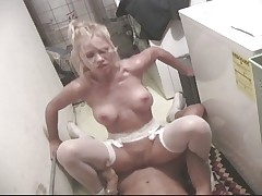 Blonde knows not only to wash