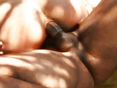 Outdoor arousing Latina fuck on the grass