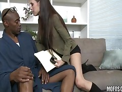 McKenzie Lee - Milfs Like It Black